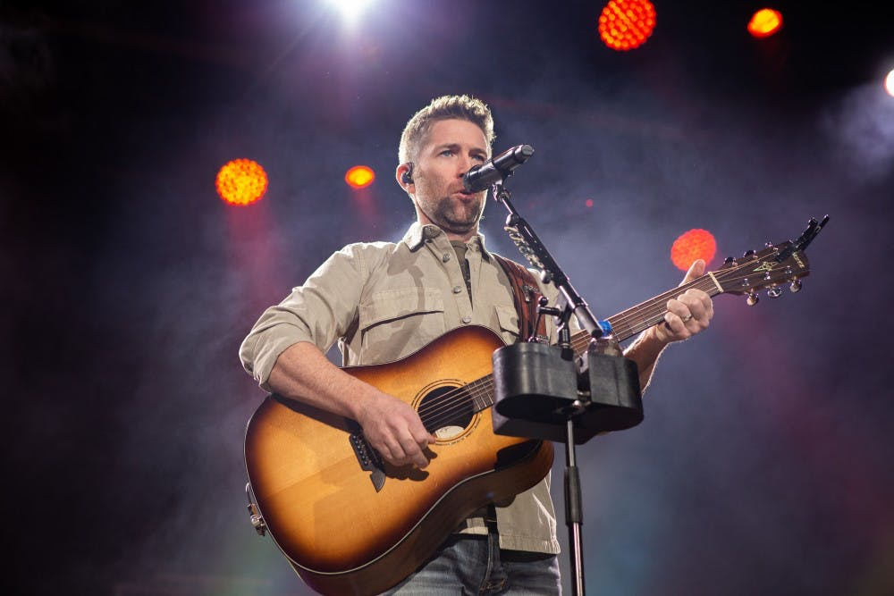 Time was love for Josh Turner fans Saturday