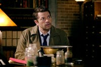 Cas lays his life on the line during Monday's episode of 'Supernatural.' (Photo provided via @TellTaleTV_ on Twitter)