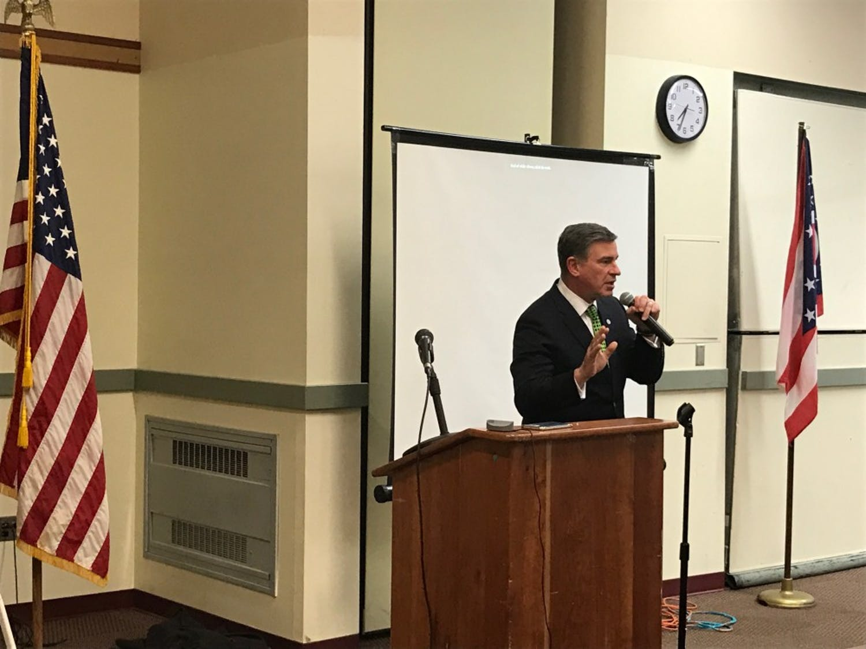 Athens Mayor Steve Patterson addresscitizens at a public forum Tuesday, Jan 24.