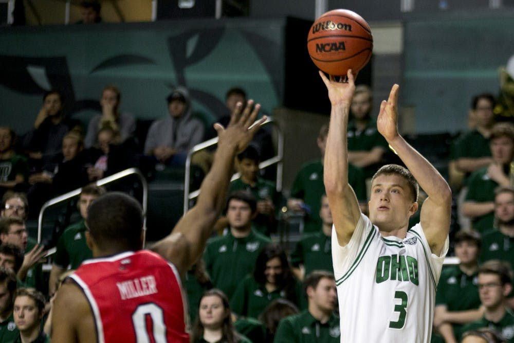Men's Basketball: Gollon provides much needed spark in win over Western Kentucky