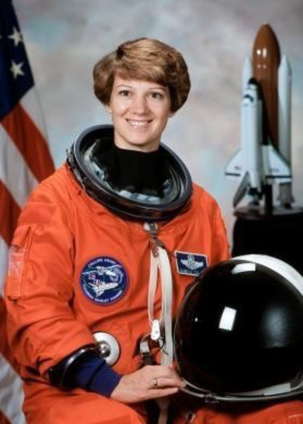 First female space commander Eileen Collins to speak in Frontiers in Science series