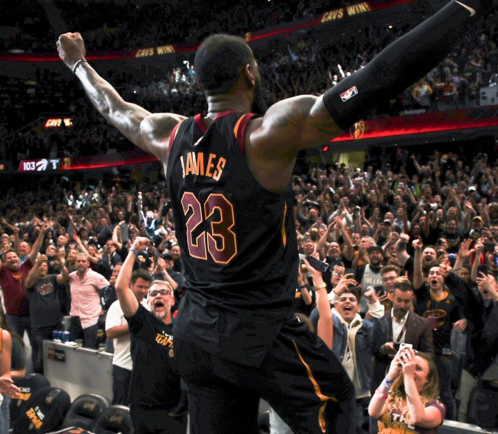 Fans react to LeBron James signing with the Lakers