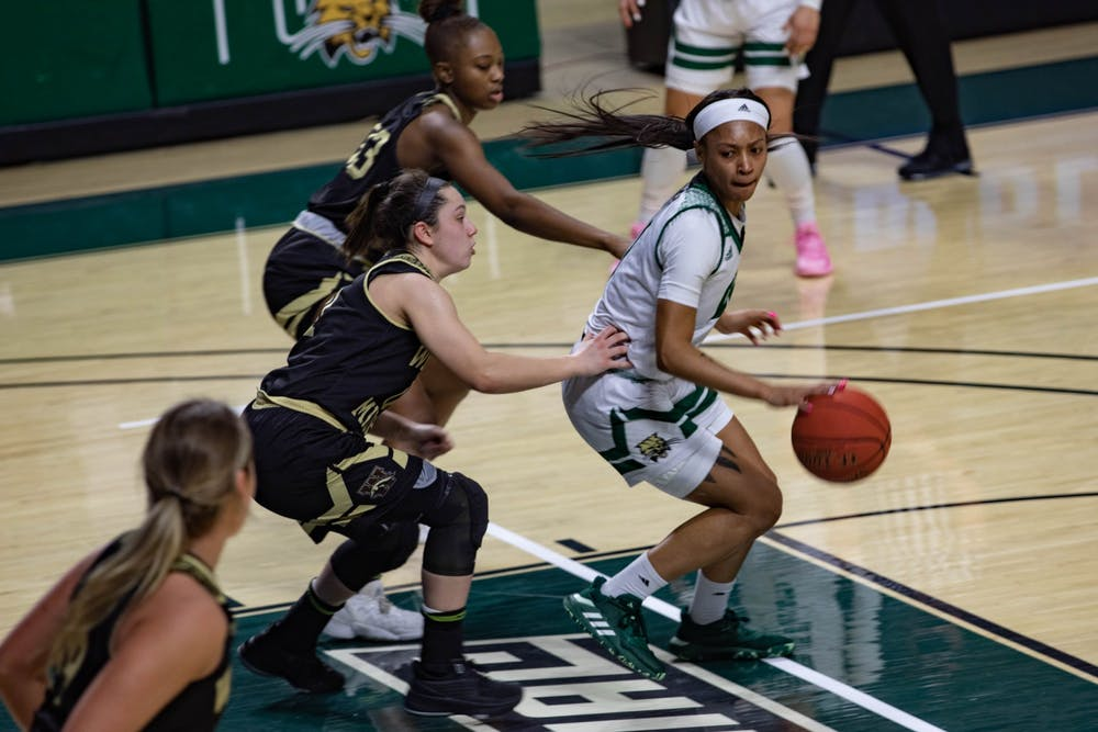 Women's Basketball: Ohio picks up second-straight blowout win in rout of Western Michigan