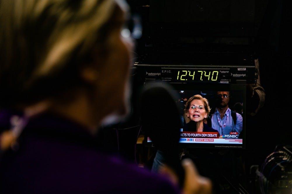 U.S. Senator Elizabeth Warren aims to mobilize students for student loan debt cancelation