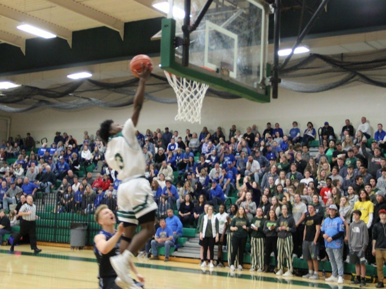 Athens BB Elijah Williams layup.JPG