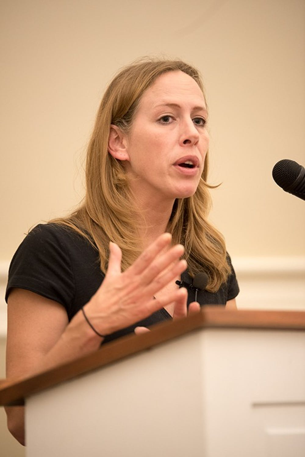 "Strassel speaks about free speech, safe spaces, graffiti wall in ""Silencing Free Speech"" lecture"