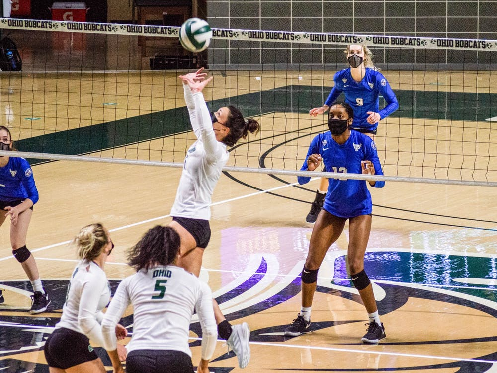 Ohio University's setter Vera Giacomazzi sets the ball in a game against University at Buffalo that would lead to victory for the Bobcats on Thursday, Feb. 11, 2021.
