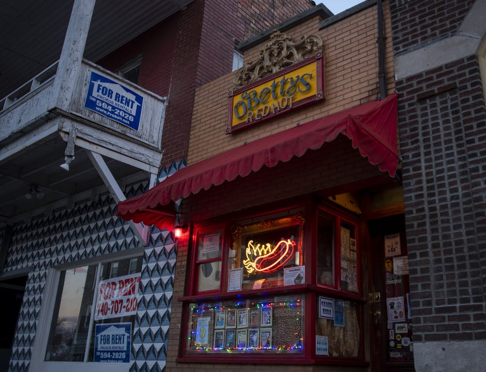 Late-night stops in Athens struggle for business