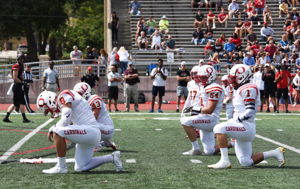 kneeling-for-chatman-otterbeinsports