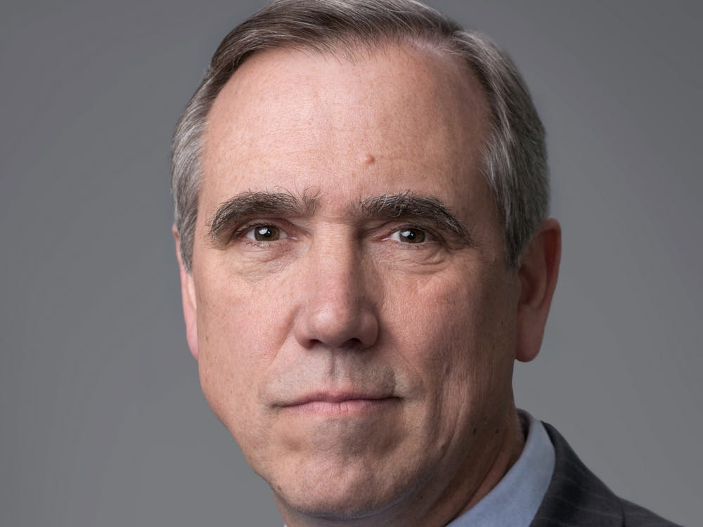 Sen. Jeff Merkley GS '82 poses for an official portrait. Courtesy of Jeff Merkley Congressional website