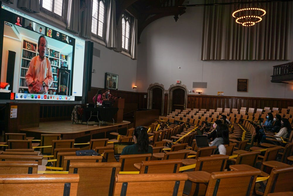 <h5>Students in McCosh 50 while Professor David Miller teaches on Zoom</h5> <h6>John Raulston Graham / The Daily Princetonian</h6>
