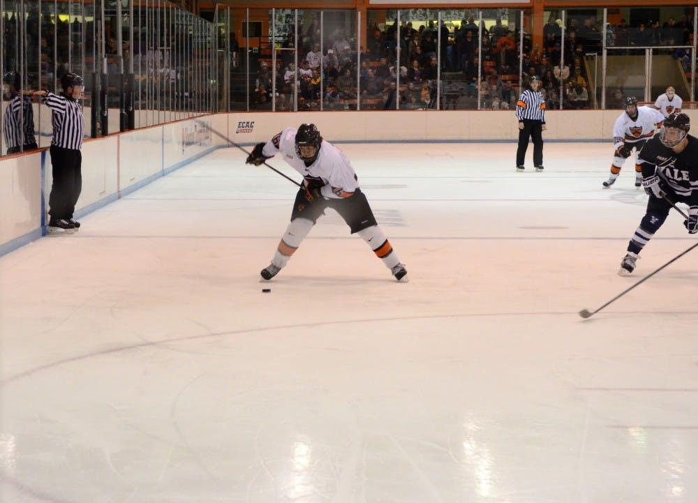 20131108_MensIceHockey_RebeccaTerrett_3024