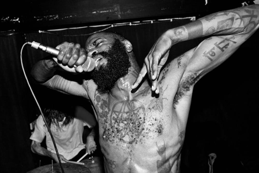 2012-10-03-images-deathgrips1