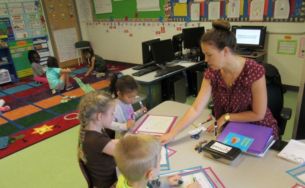 kindergarten-b-reading-table