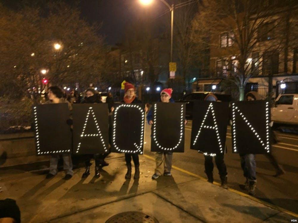 laquan-mcdonald-chicago-memorial-from-protestors