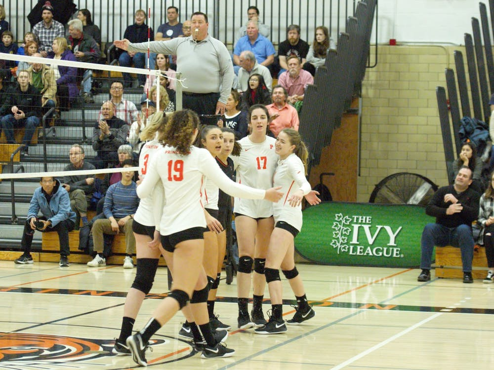 Princeton huddles in the first set of the win over Yale. Photo Credit: Jack Graham / The Daily Princetonian