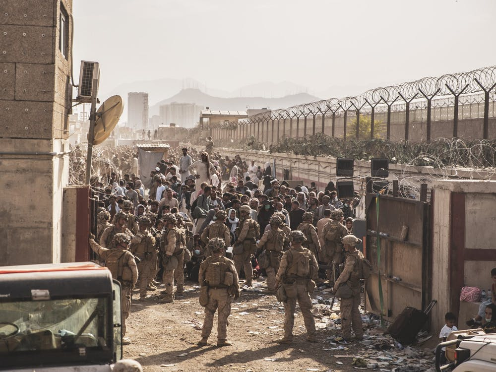 Evacuation at Hamid Karzai International Airport U.S. Marine Corps Staff Sgt. Victor Mancilla/ Defense Visual Information Distribution Service