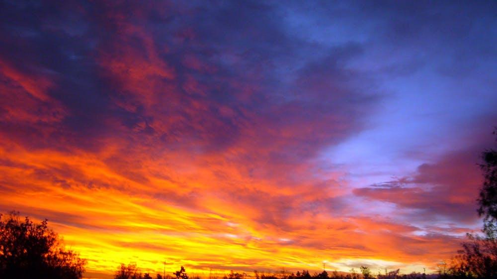 """""""Flying Blue Sunrise"""" by Jessie Eastland / CC BY-SA 3.0"""