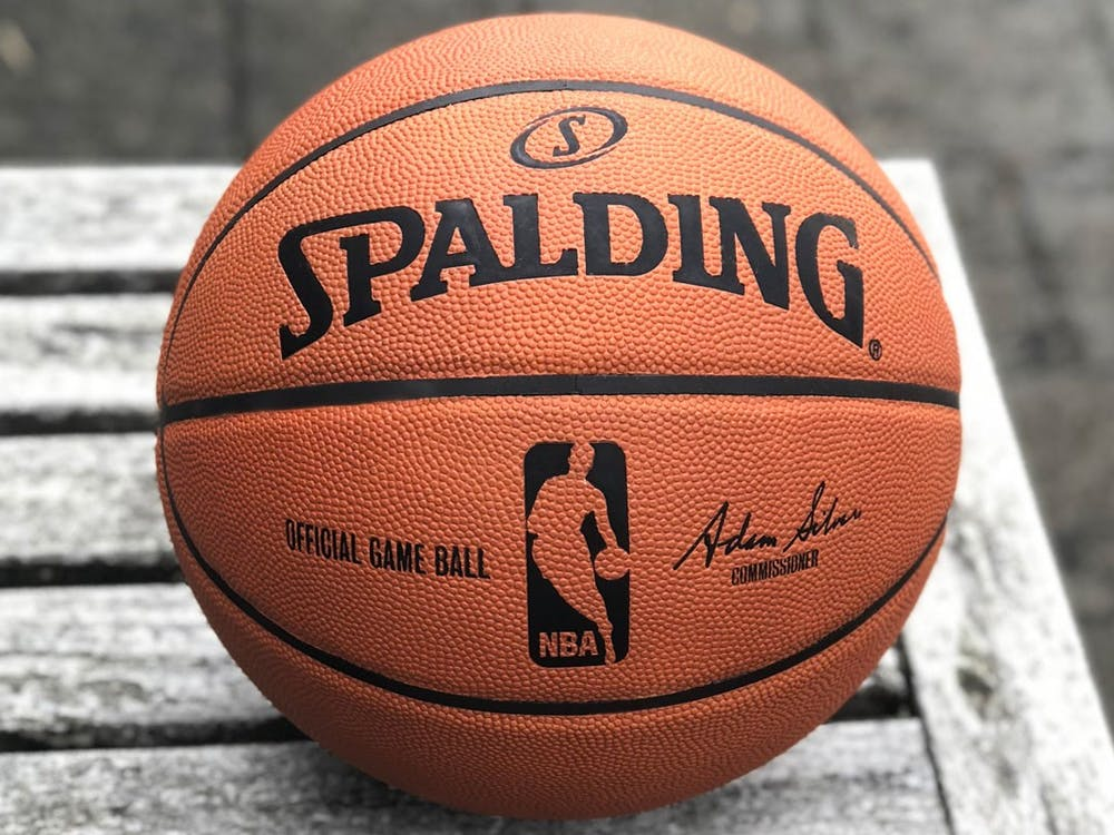"""""""Spalding NBA game ball leather"""" by uhlsport GmbH / CC-SA 4.0"""