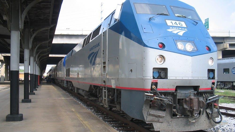 An Amtrak train. Photo Credit: DanielHolth / Wikimedia Commons