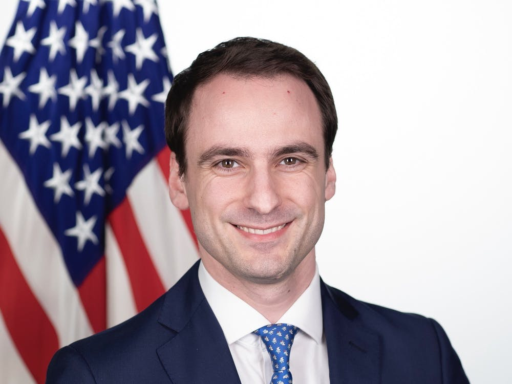 Michael Kratsios '08 poses for an official White House portrait. The White House / Keegan Barber