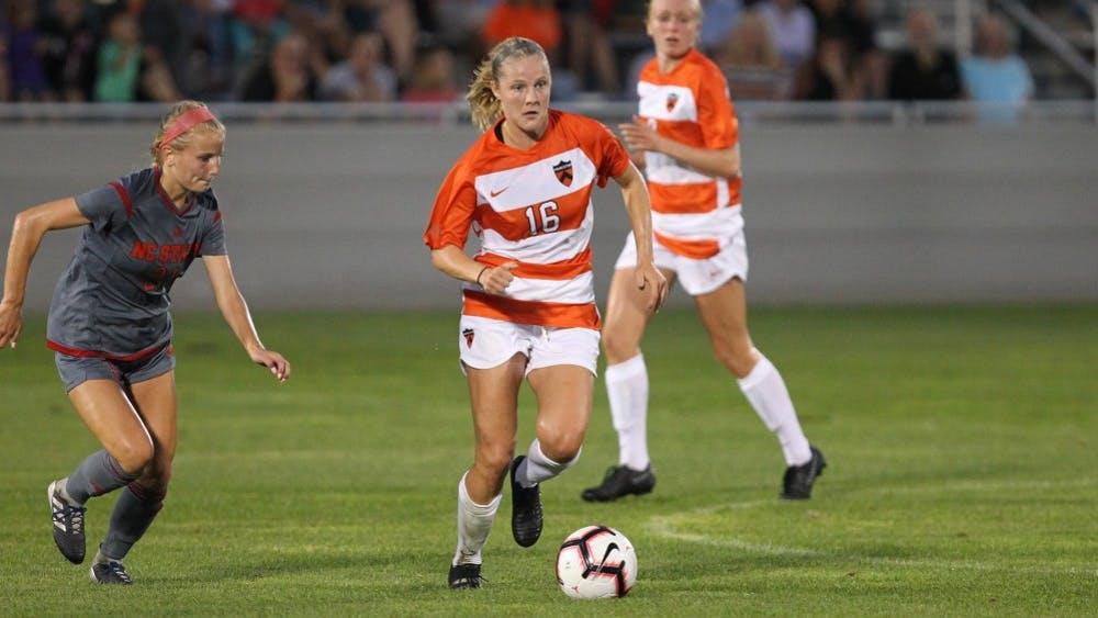 Abby Givens generated Princeton's only shot on goal against Brown. Photo Credit: Beverly Schaefer / goprincetontigers.com