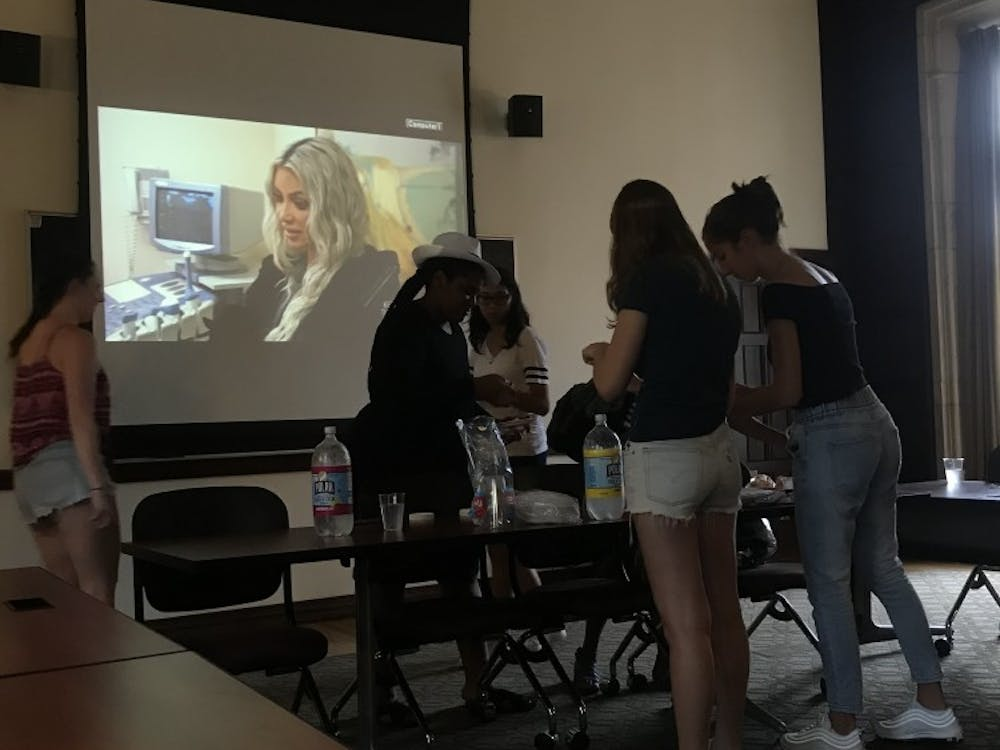 "Kardashian Klub hosts first meeting of this academic year, featuring an episode of ""Keeping Up With The Kardashians"""