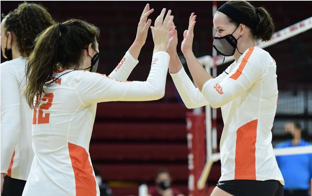 <h6>Olivia Schewe '23 and Lindsey Kelly'23 celebrate.</h6> <h6>GoPrincetonTigers.com</h6>