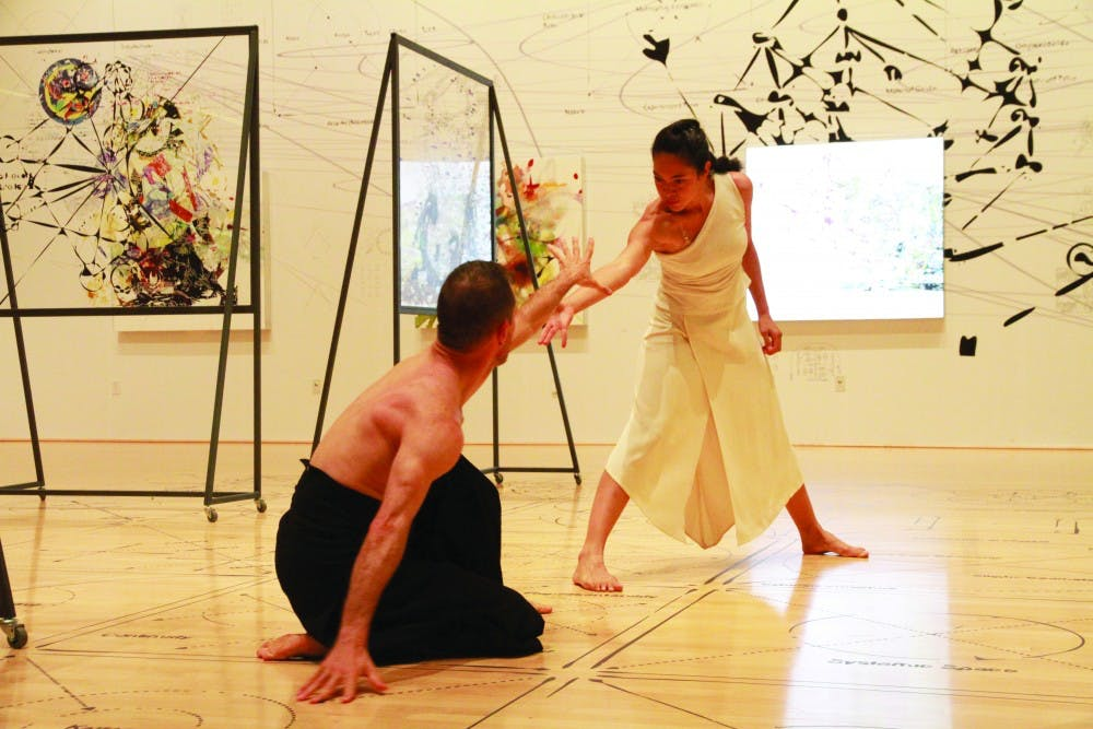 dimensions-variable-col-yi-luo