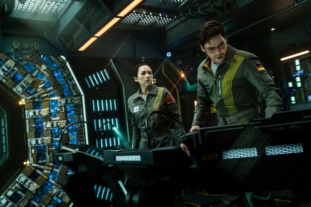 the_cloverfield_paradox_ship_interior_38400