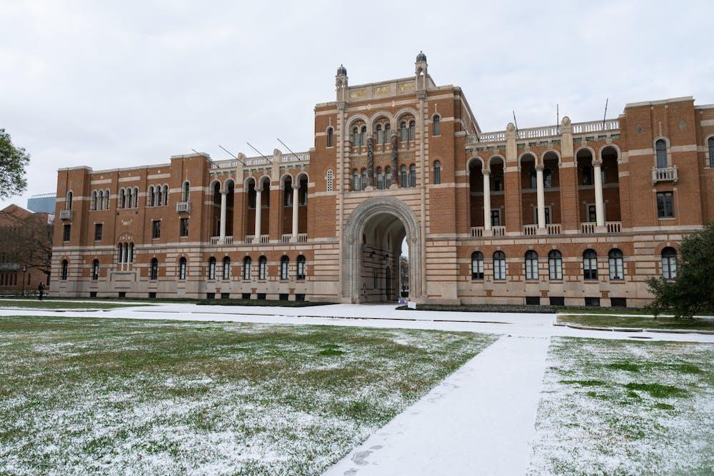 snow-at-rice-lovett-hall-brandon-chen-web