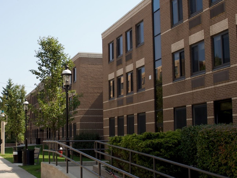 Serra-and-Neuman-Photo-vie-Flickr_Seton-Hall-University