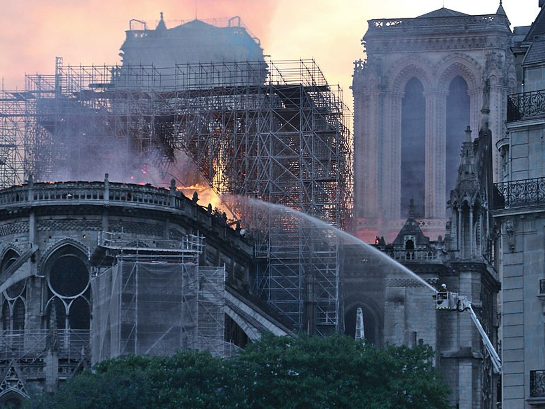 Notre-Dame-Fire-Photo-via-Wikimedia