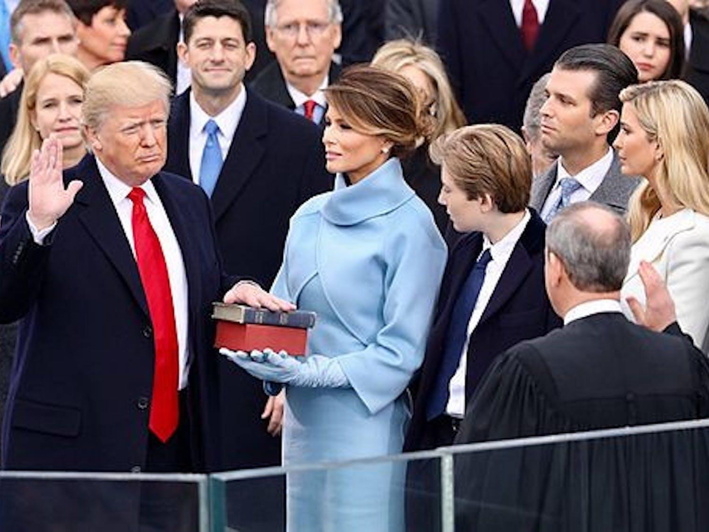 Donald_Trump_swearing_in_ceremony-via-Wikimedia-Commons