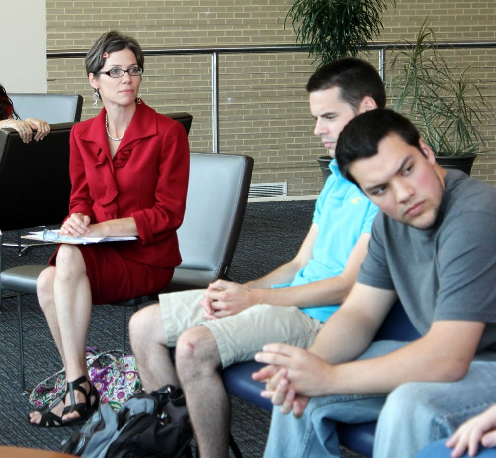 Susan Spicka visits SU, speaks to students about voting importance