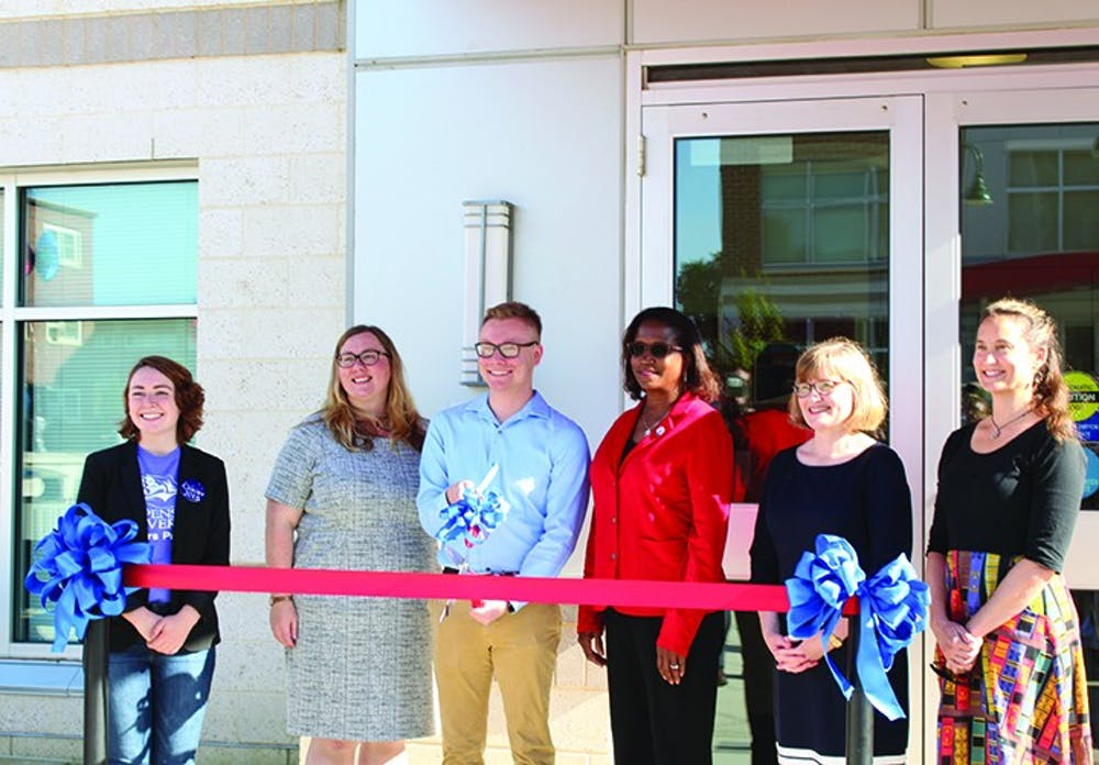 Honors program becomes college with ribbon-cutting