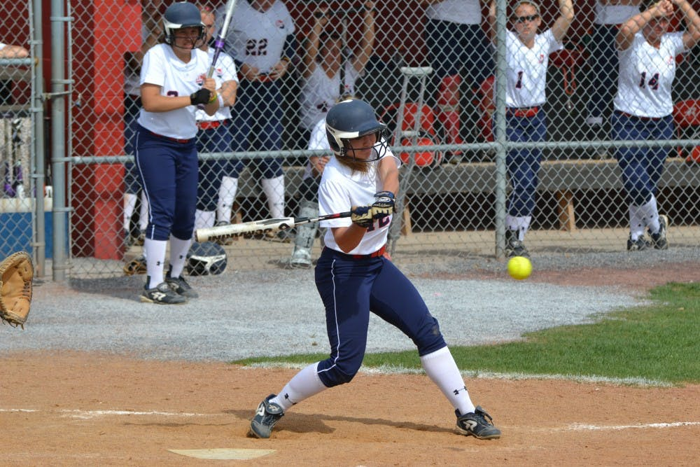 Early rally helps SU softball roust Golden Rams in Game 2