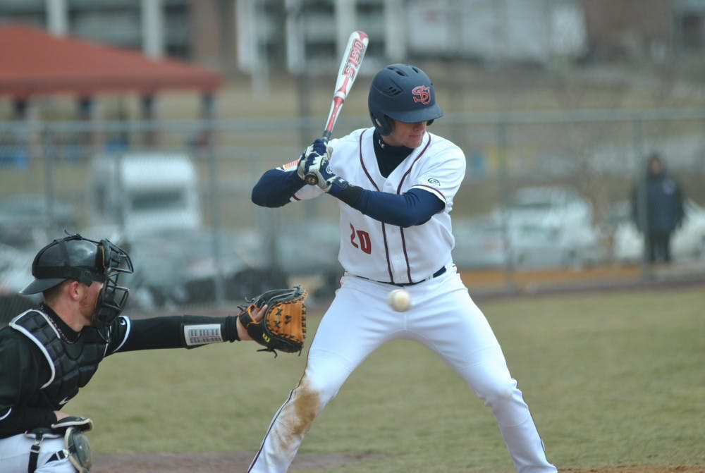Baseball splits doubleheader against Catawba