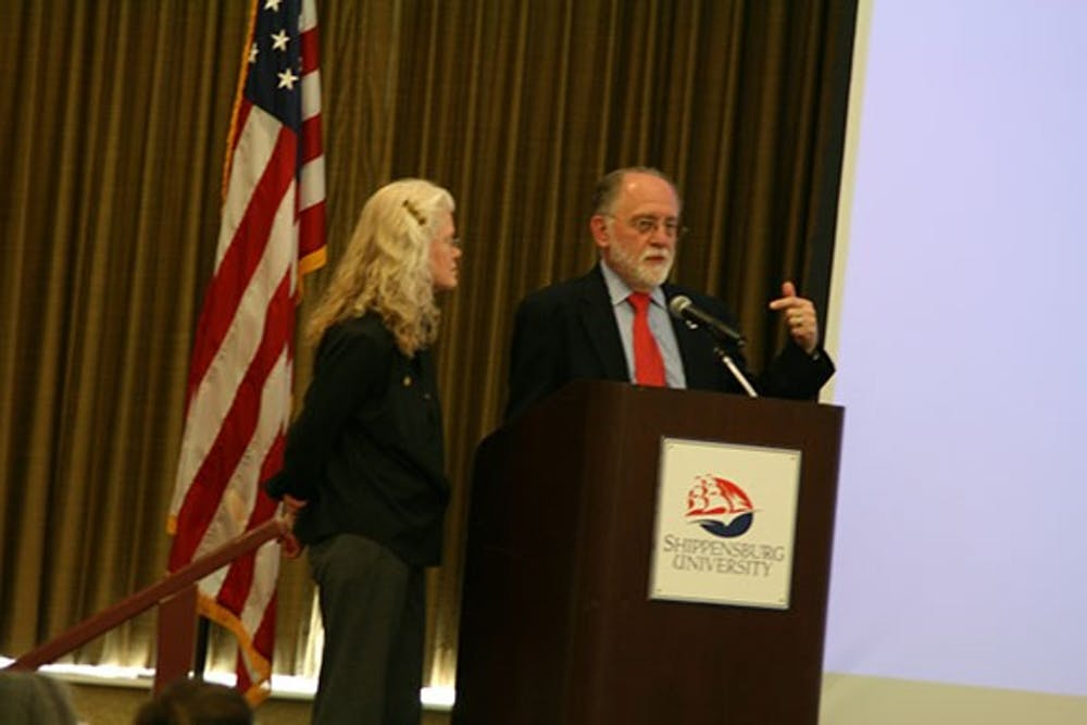 Communication/Journalism department honors students, faculty, alumni at annual banquet