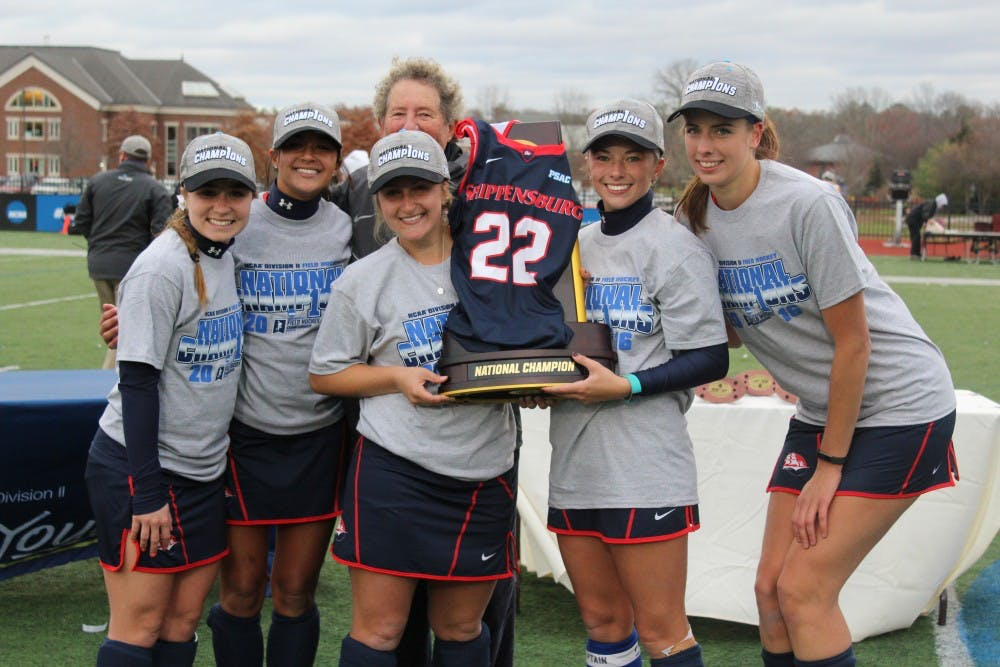 SU field hockey claims national title