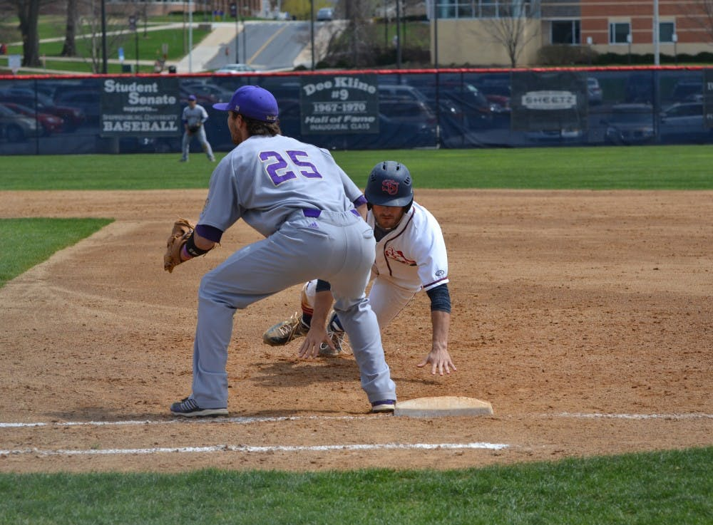 Baseball: Bats come alive in Game 1 as SU downs Golden Rams