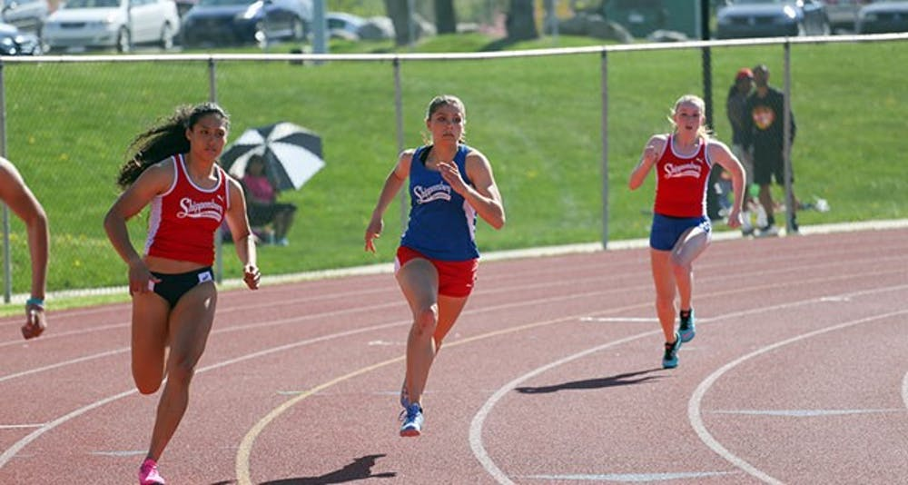 Women's track and field excels at SU Invitational