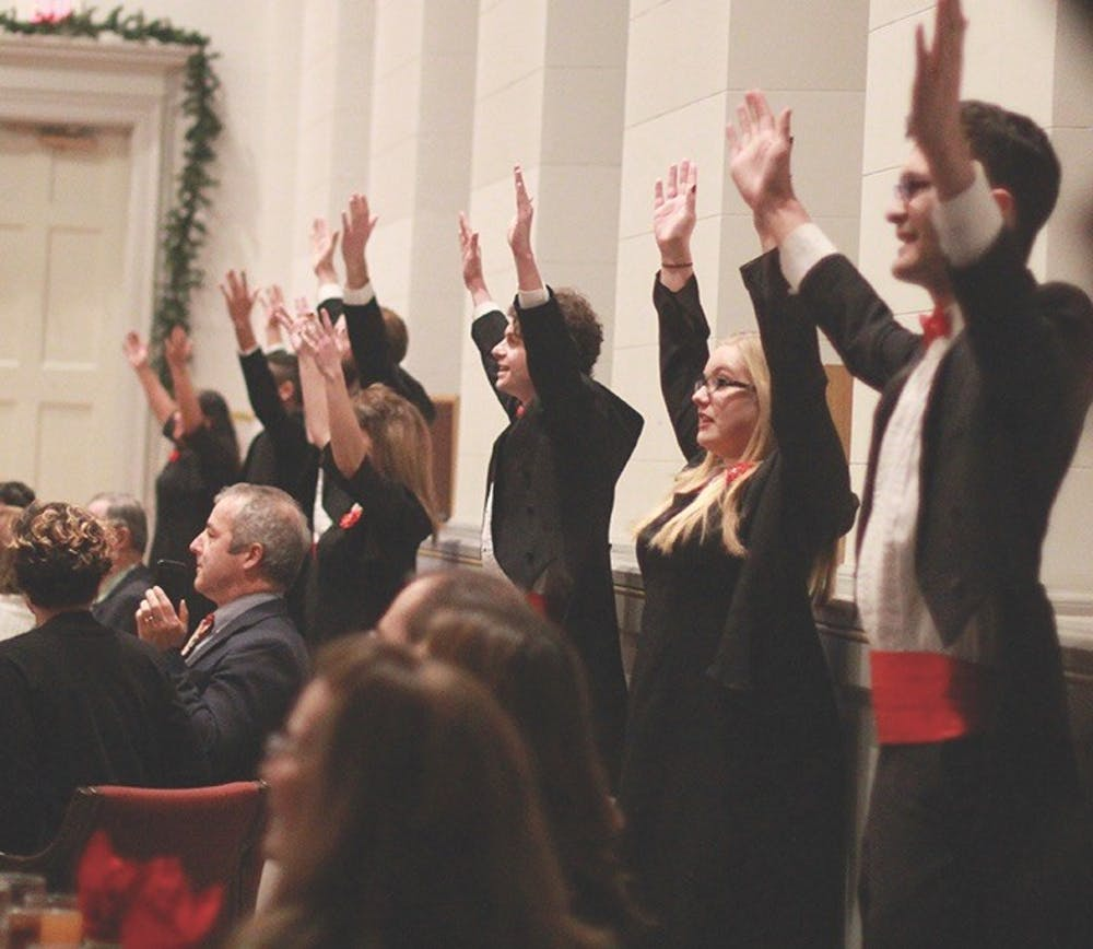 SU Madrigal Singers hold annual Christmas dinner