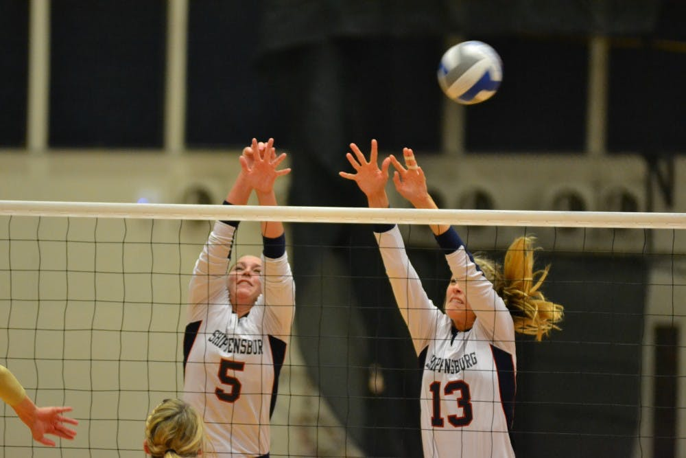 Volleyball bounces back, overtakes WCU in straight sets