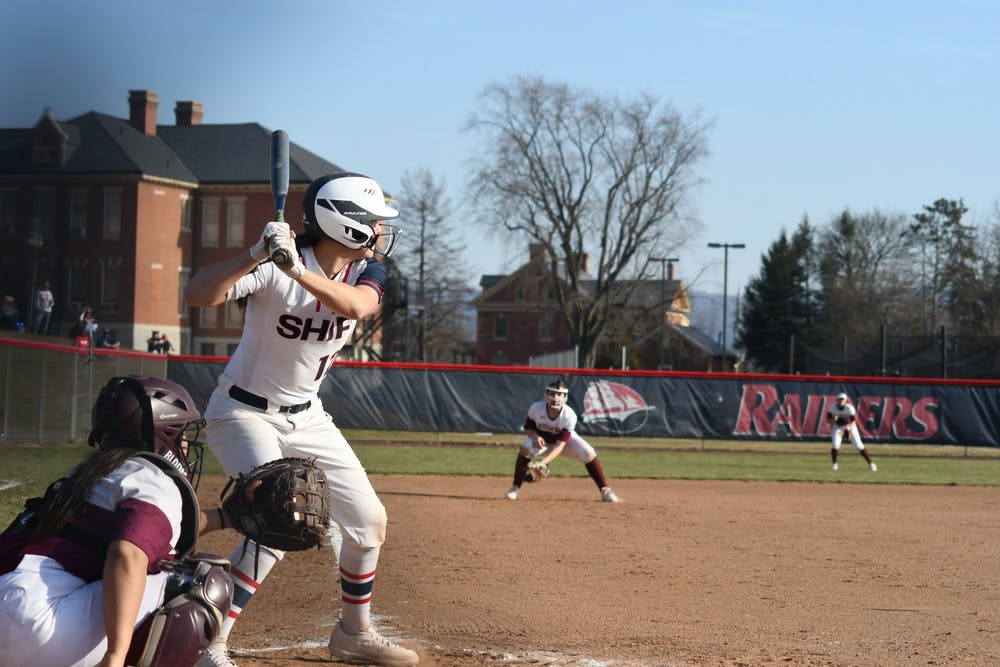 Marsteller continues barrage of hitting, softball finishes week even