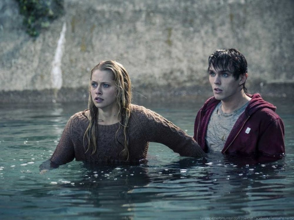 """""""Warm Bodies"""" review: Vampires out, Zombies in"""