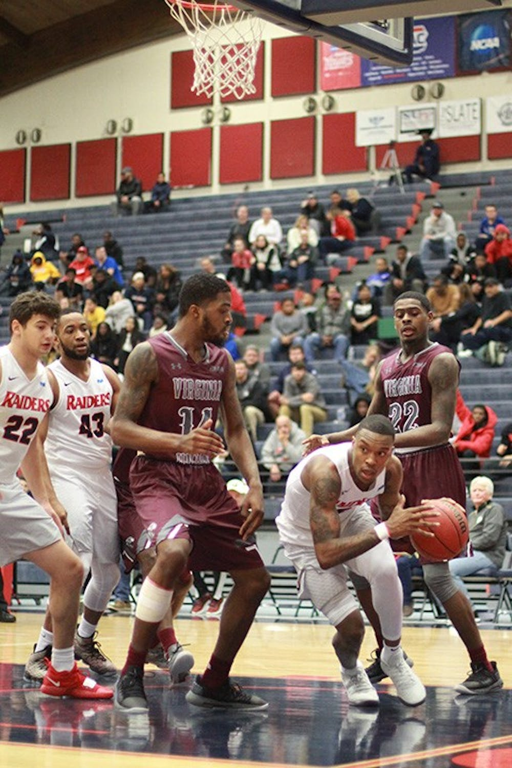 Men's basketball opens season with comeback win against Virginia Union
