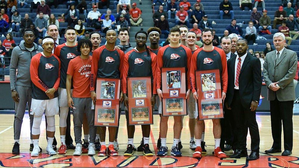 Men's basketball honors senior class with 66-59 win over Shepherd