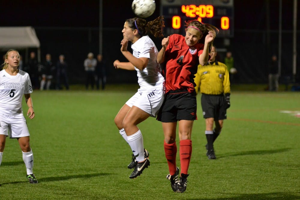 Warriors capitalize on SU's miscues to secure victory