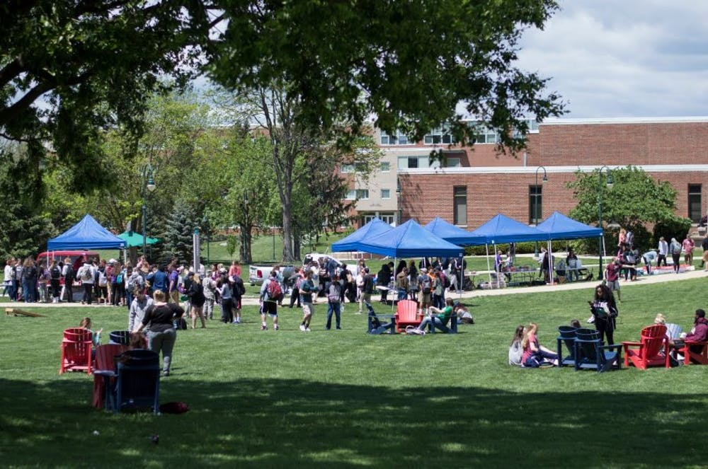 Quadfest eases students' minds before finals